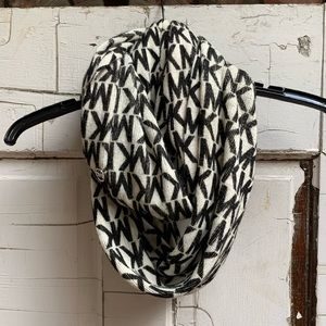 Michael Kors signature infinity scarf black white